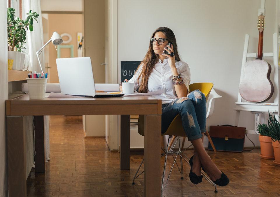 Jak zarobić pieniądze bez wychodzenia z domu?