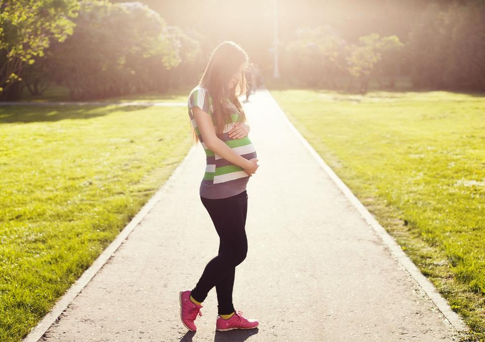 Zwolnienie lekarskie w ciąży - wypłacanie zasiłku